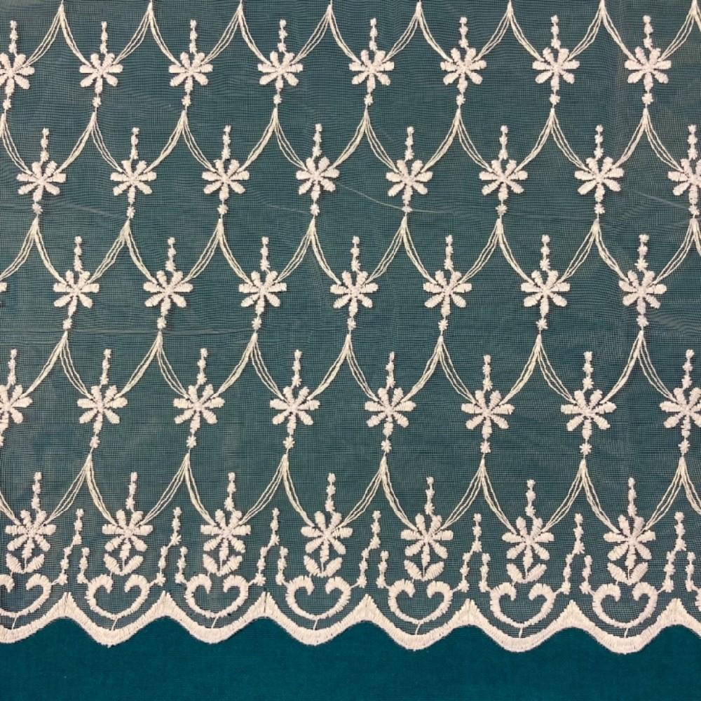 záclona FIranky vyšívaná kytičky 280 cm