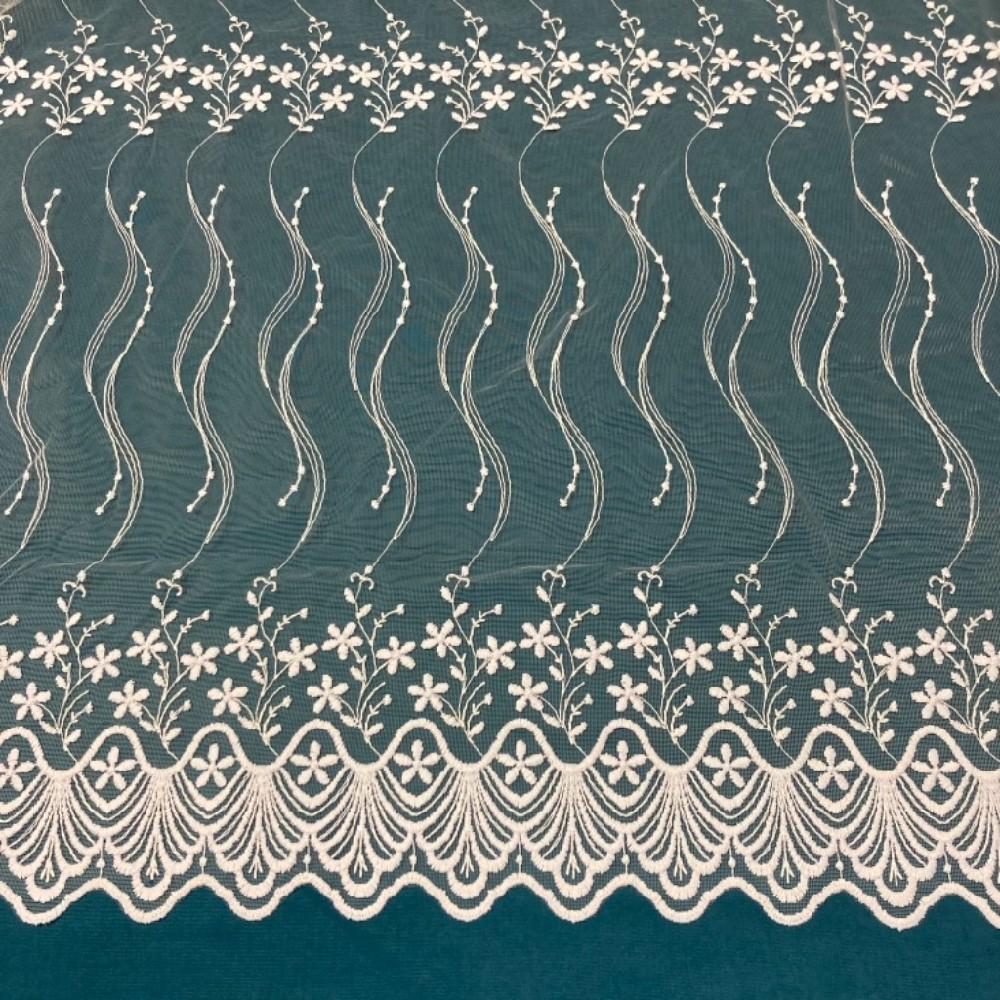 záclona Firanky  vyšívané  kkvěty vlnky 160 cm