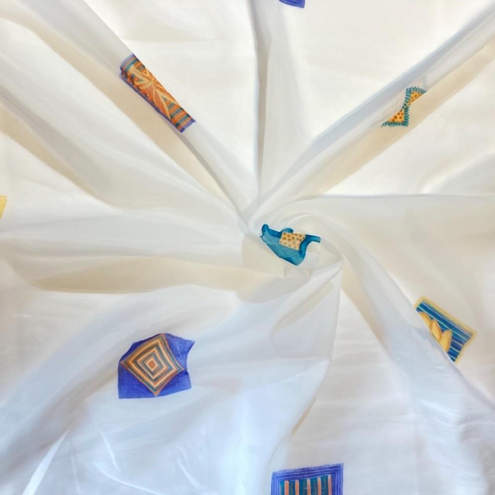 záclona voál 150 š.  čtverce modré podklad bílý