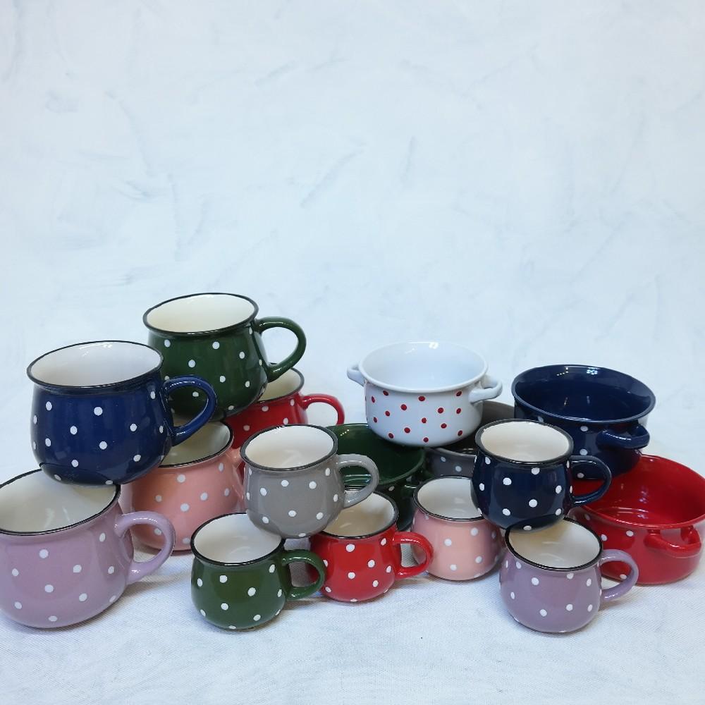 hrnek 10,5cm keramika s puntíky různé barvy