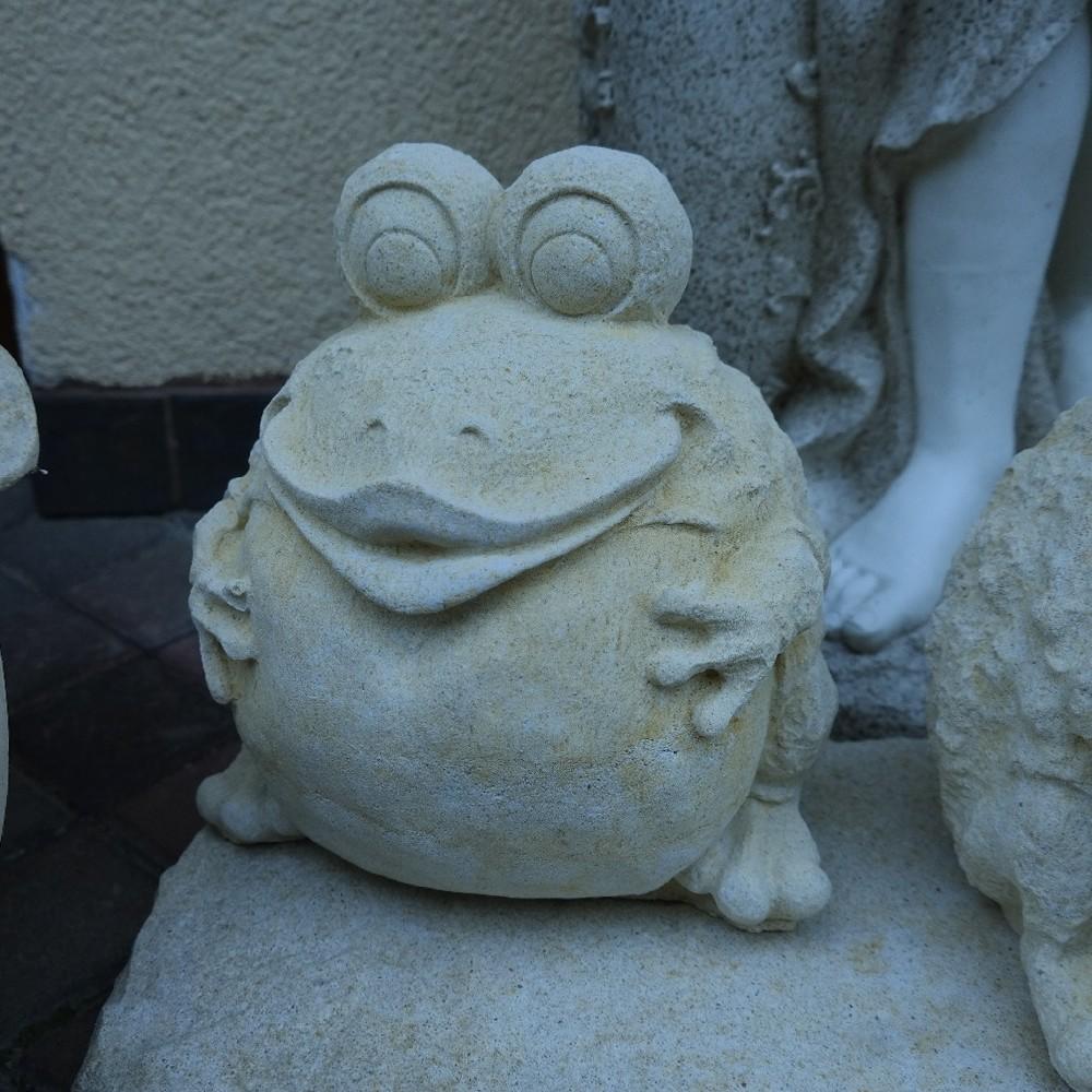 pískovec žába-ropucha