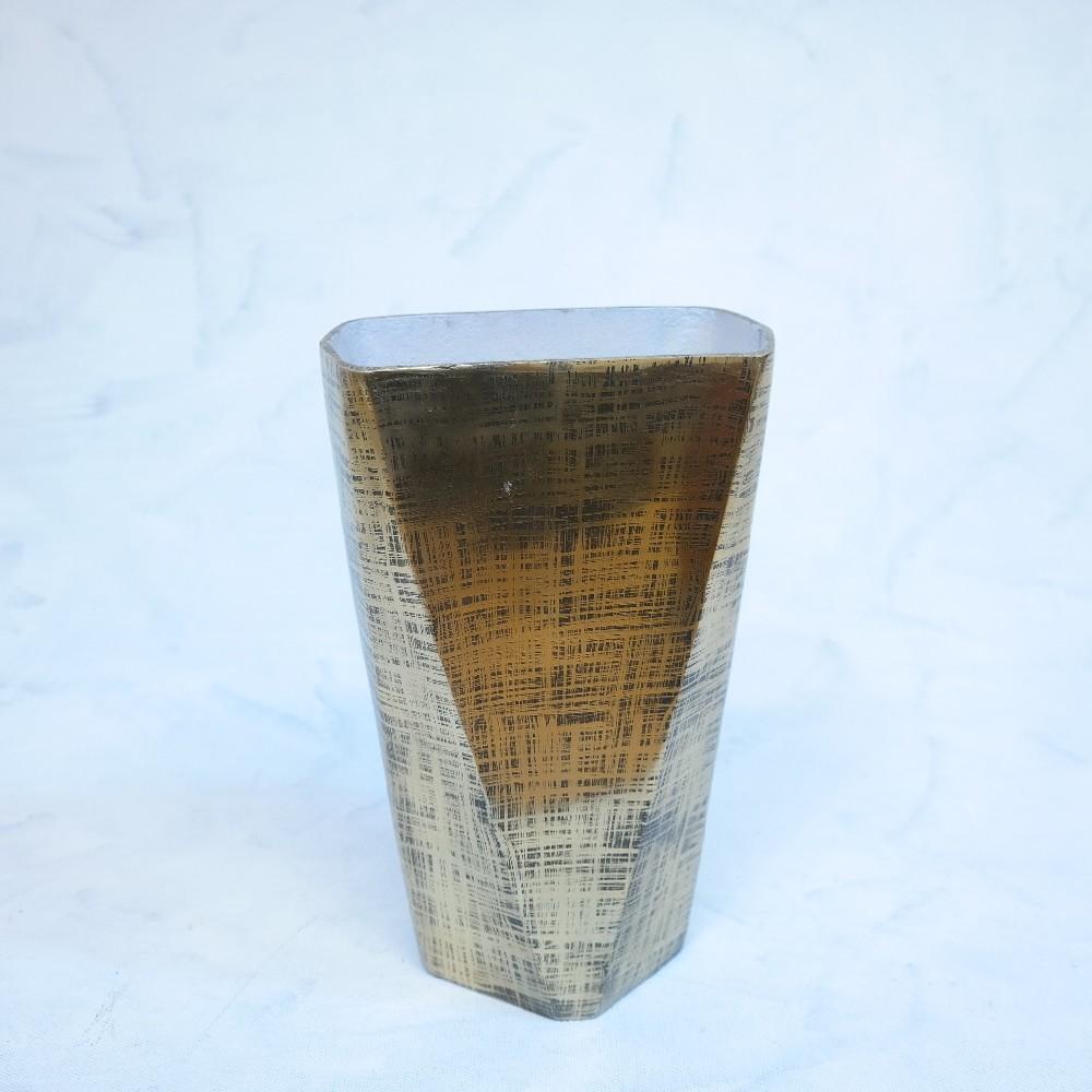váza zlatá kov dekorace