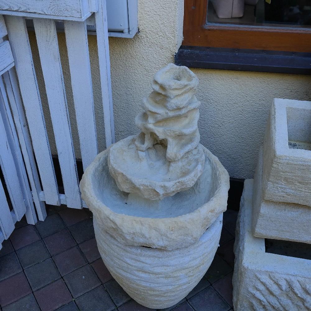 pískovec fontána