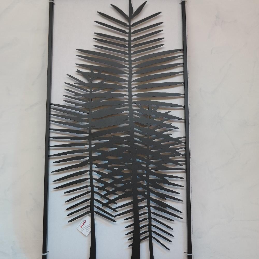 kovová dekorace na zeď