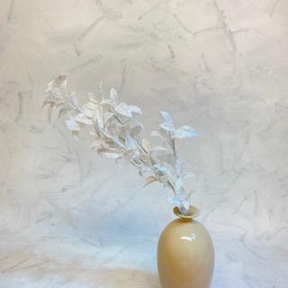 květina umělá větev bílá