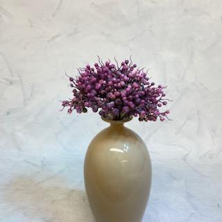květina umělá fialová
