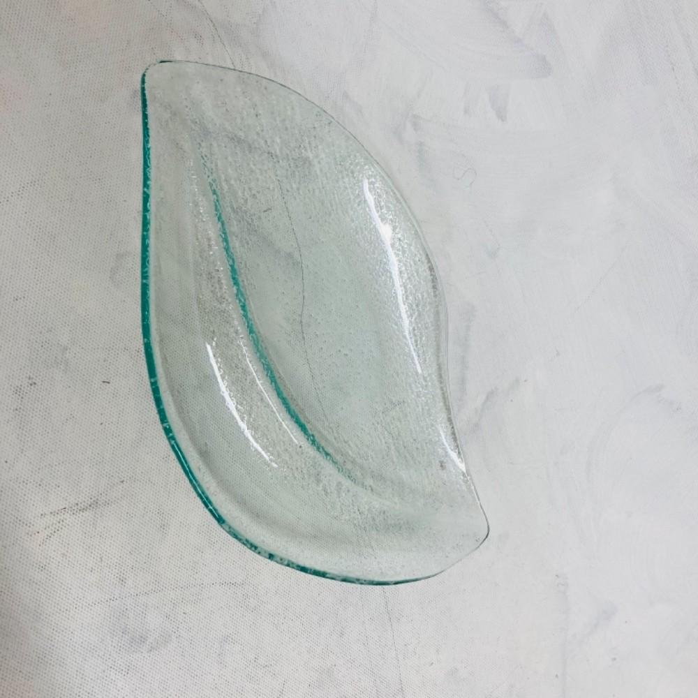 talíř skleněný