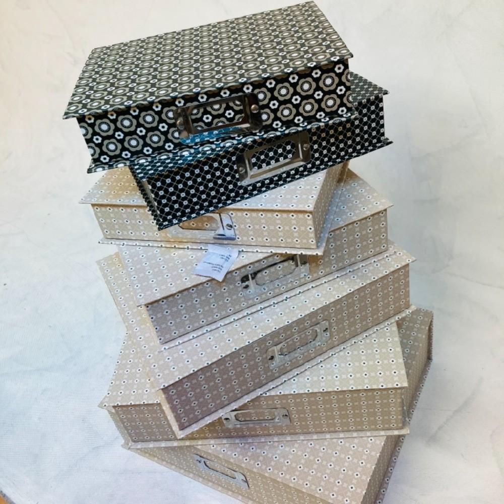 krabice 24x19x5cm