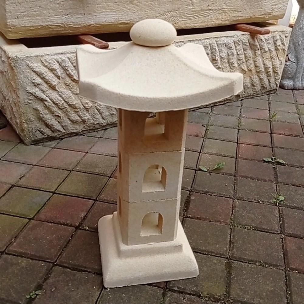 věž japonská pískovec
