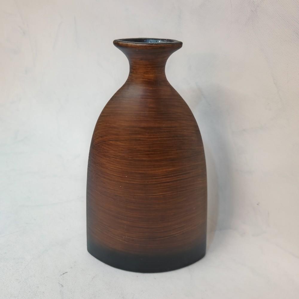 váza hnědá uzké hrdlo